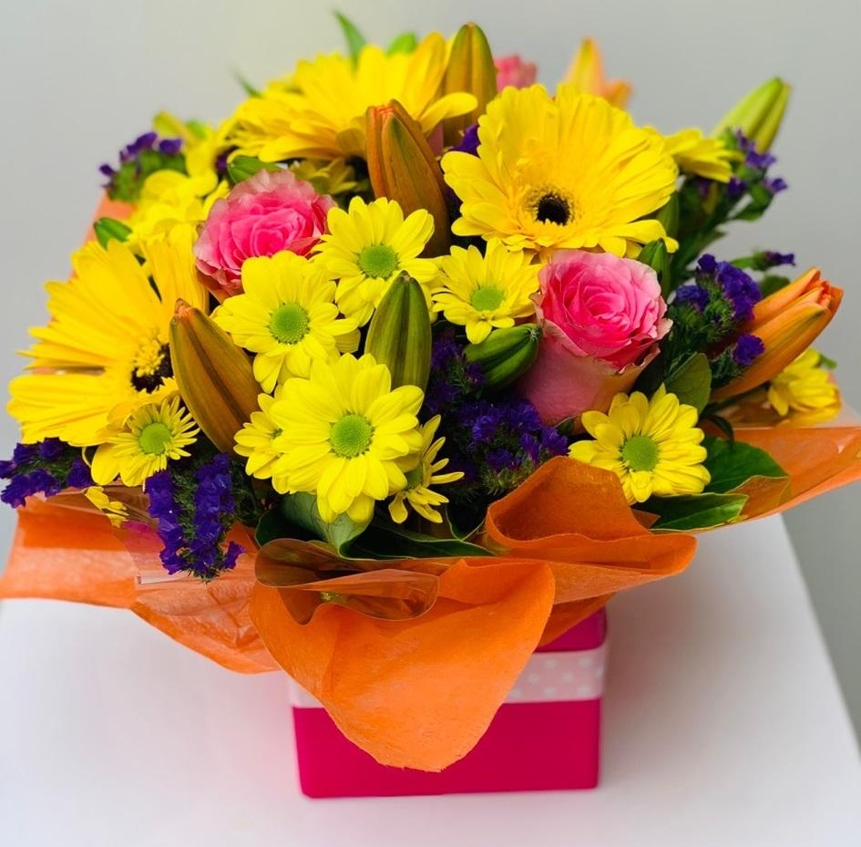 Order online Special Delight flower bouquet