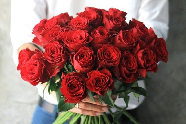 Send Flowers for Valentines Day Melbourne