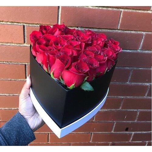 Heart Shape Red Roses Valentine Box